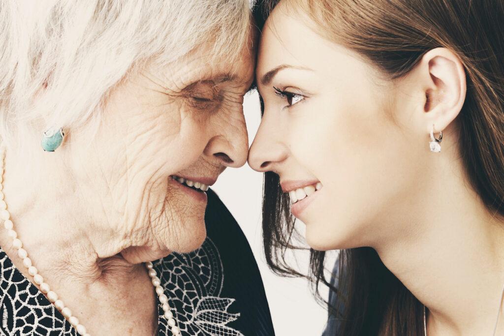 Bella noia i la seva àvia